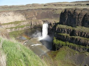 1200px-Palouse_Falls_in_Eastern_Washington